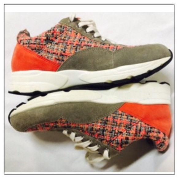 """1a7ed5111d26b 🎉HP🎉Vince Camuto """"Chenta"""" suede & tweed sneakers"""